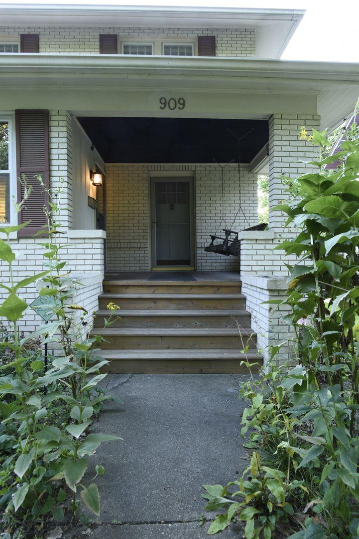 909 Broadway Avenue, Normal, IL 61761 - #: 10636128