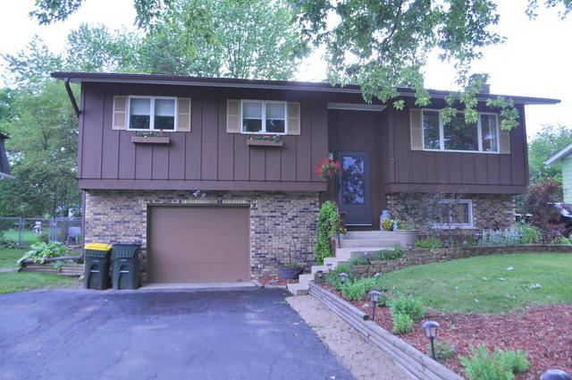 7 Lake Drive, Lake In The Hills, IL 60156 - #: 10426130