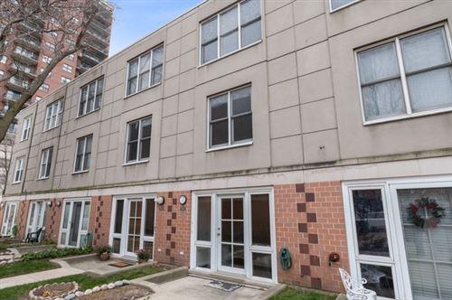 Photo of 20 W 15th Street #E, Chicago, IL 60605 (MLS # 11081131)