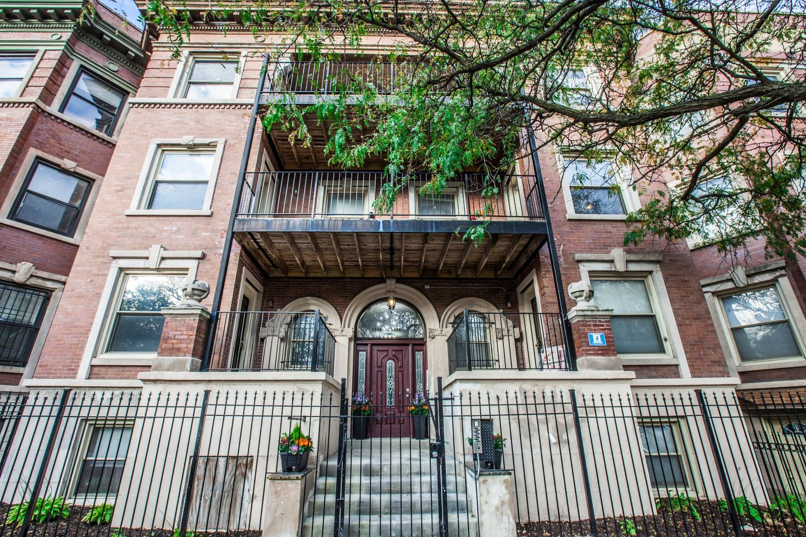 Photo for 5244 S KING Drive #3S, Chicago, IL 60615 (MLS # 10939134)