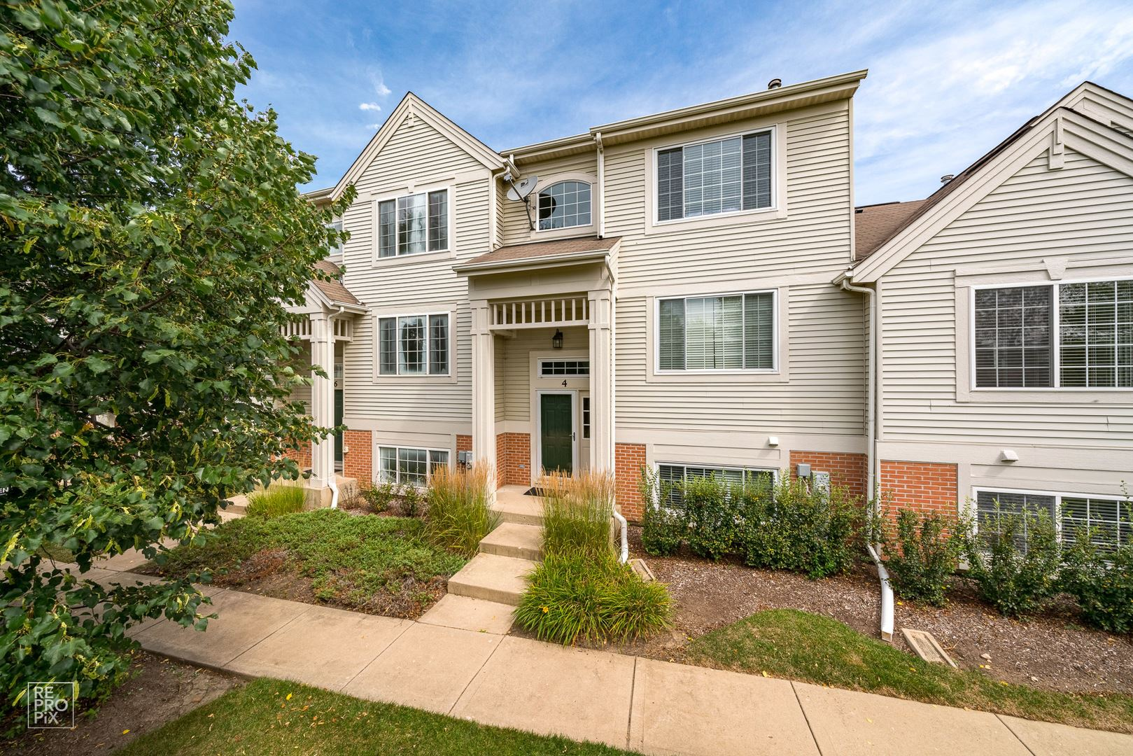 4 New Haven Drive, Cary, IL 60013 - #: 10803138