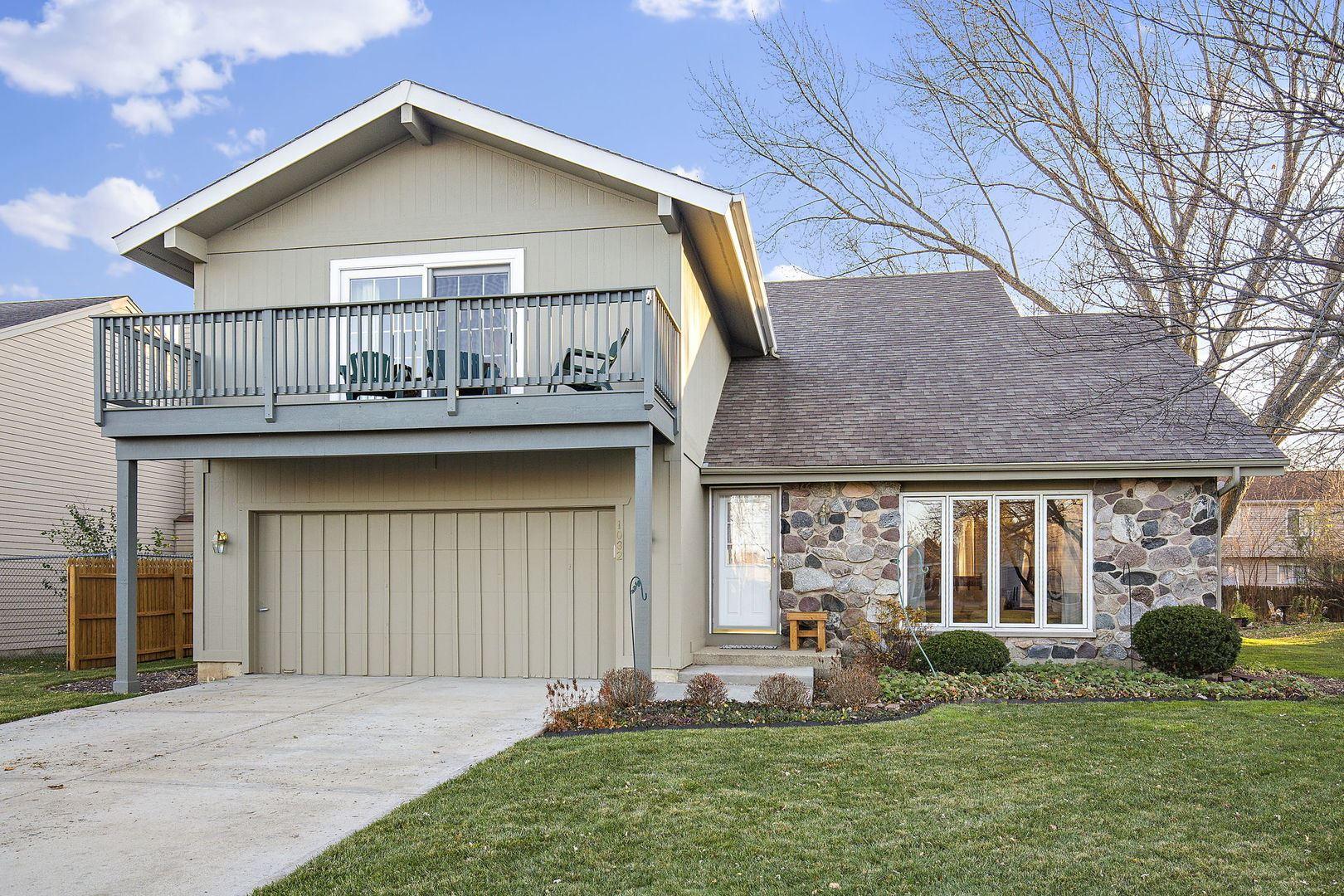 1032 Hawthorne Drive, Crystal Lake, IL 60014 - #: 10927141