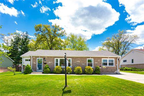 Photo of 45 Chandler Lane, Hoffman Estates, IL 60169 (MLS # 11081144)