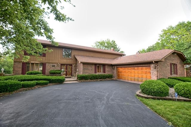 Photo for 2845 Paris Road, OLYMPIA FIELDS, IL 60461 (MLS # 10515144)