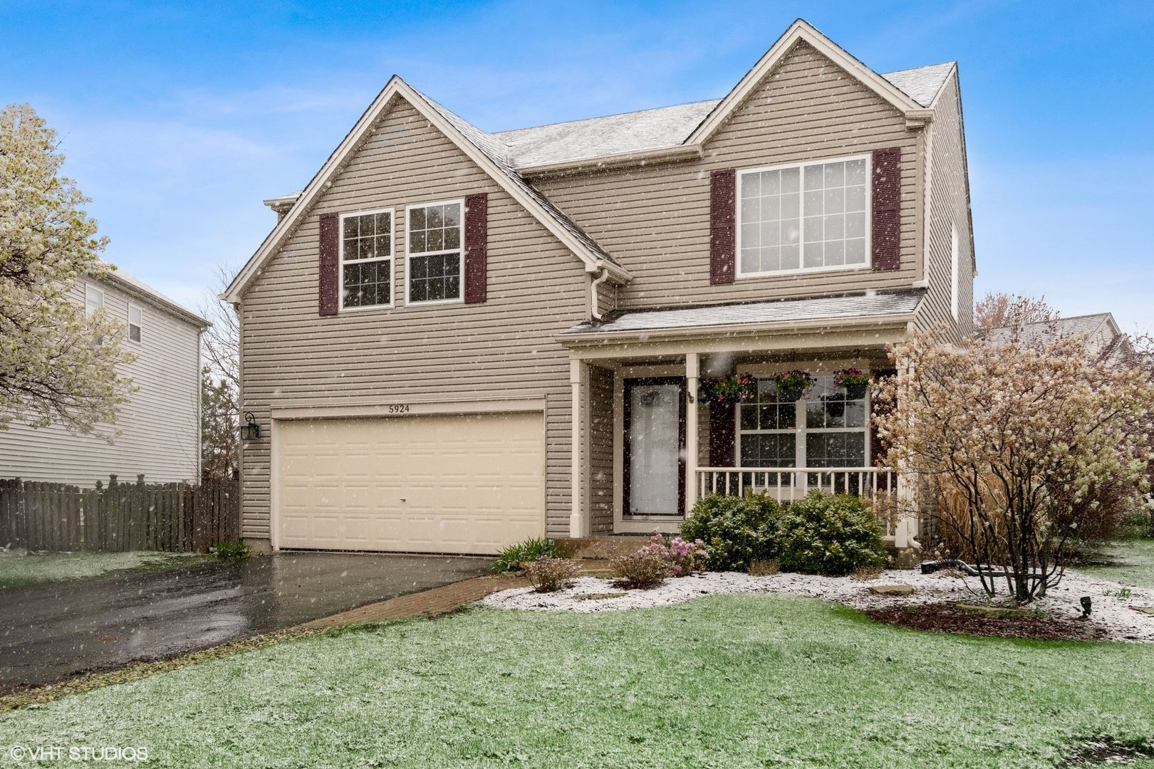 Photo of 5924 Glass Pointe Circle, Plainfield, IL 60586 (MLS # 11062146)