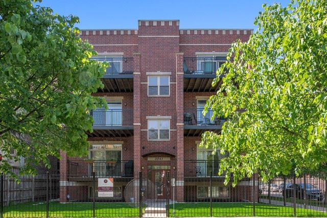 Photo for 3241 West PALMER Street #3E, CHICAGO, IL 60647 (MLS # 10442149)