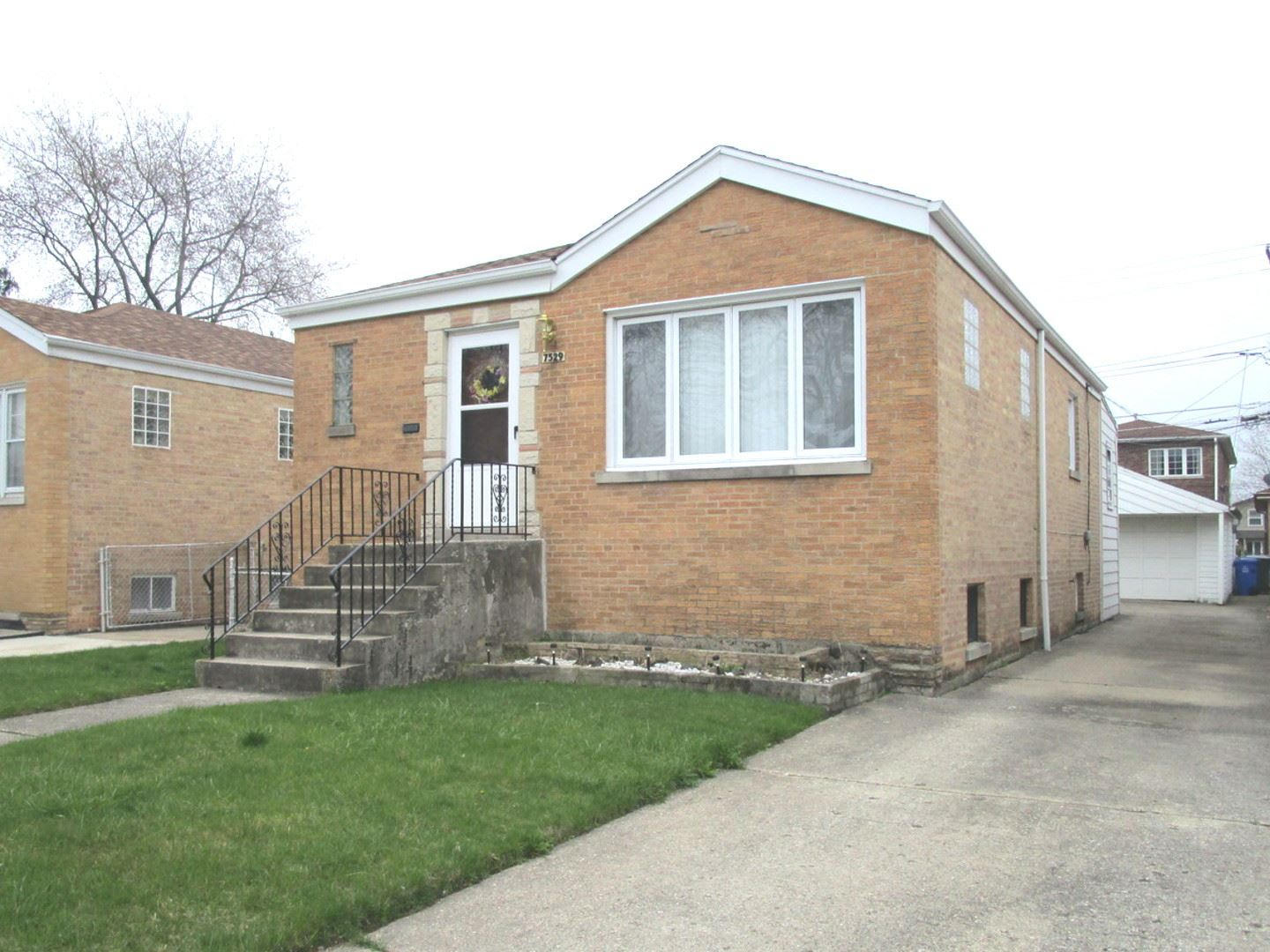 7529 W Foster Avenue, Harwood Heights, IL 60706 - #: 10705149