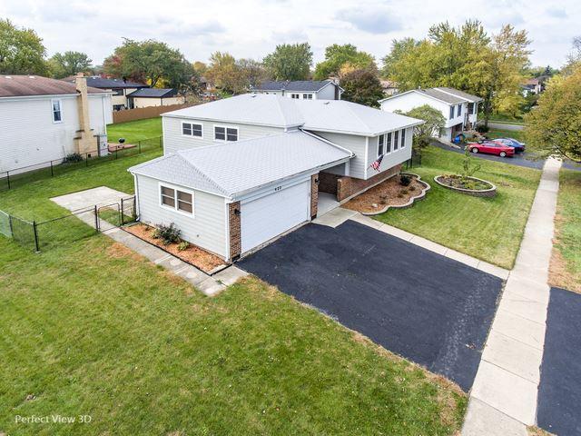 Photo of 423 Falcon Ridge Way, Bolingbrook, IL 60440 (MLS # 10993149)