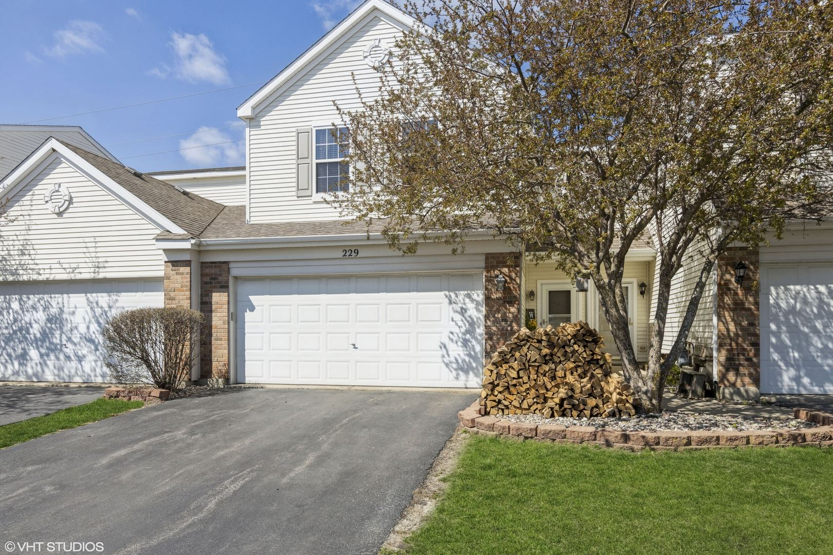 Photo of 229 Parkside Drive, Shorewood, IL 60404 (MLS # 11054149)