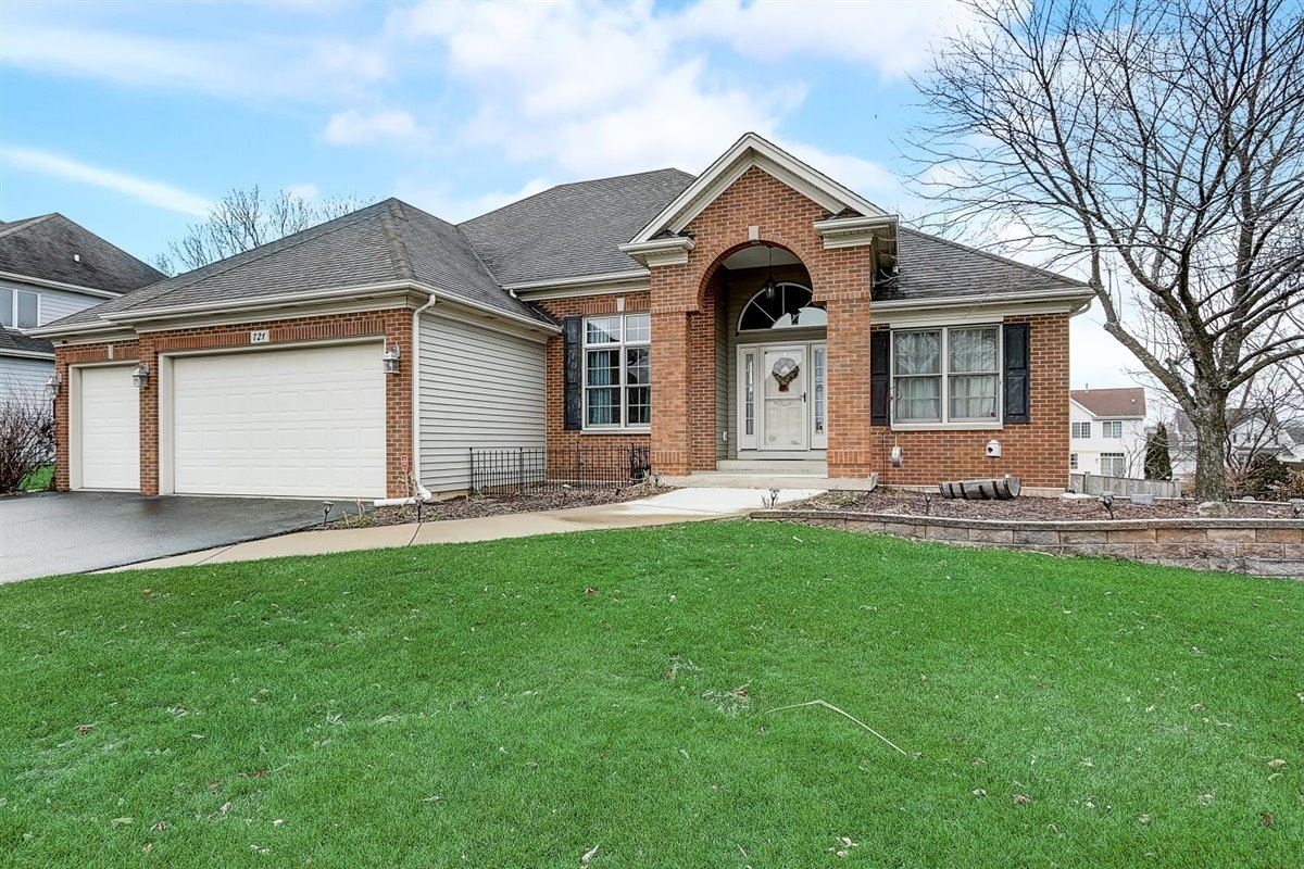 Photo for 721 Greenfield Turn, Yorkville, IL 60560 (MLS # 10953150)