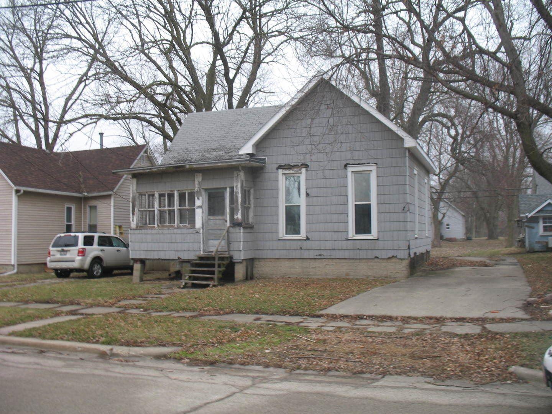 1205 E Main Street, Clinton, IL 61727 - #: 10624152