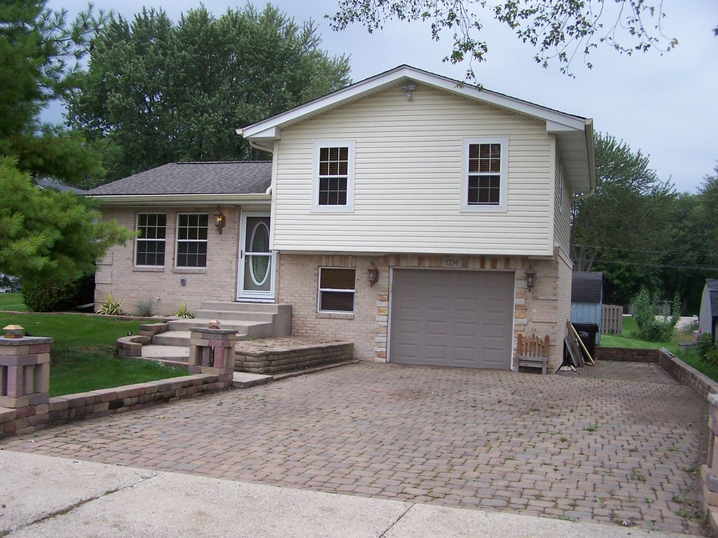 1709 ROGERS Avenue, McHenry, IL 60050 - #: 10708152