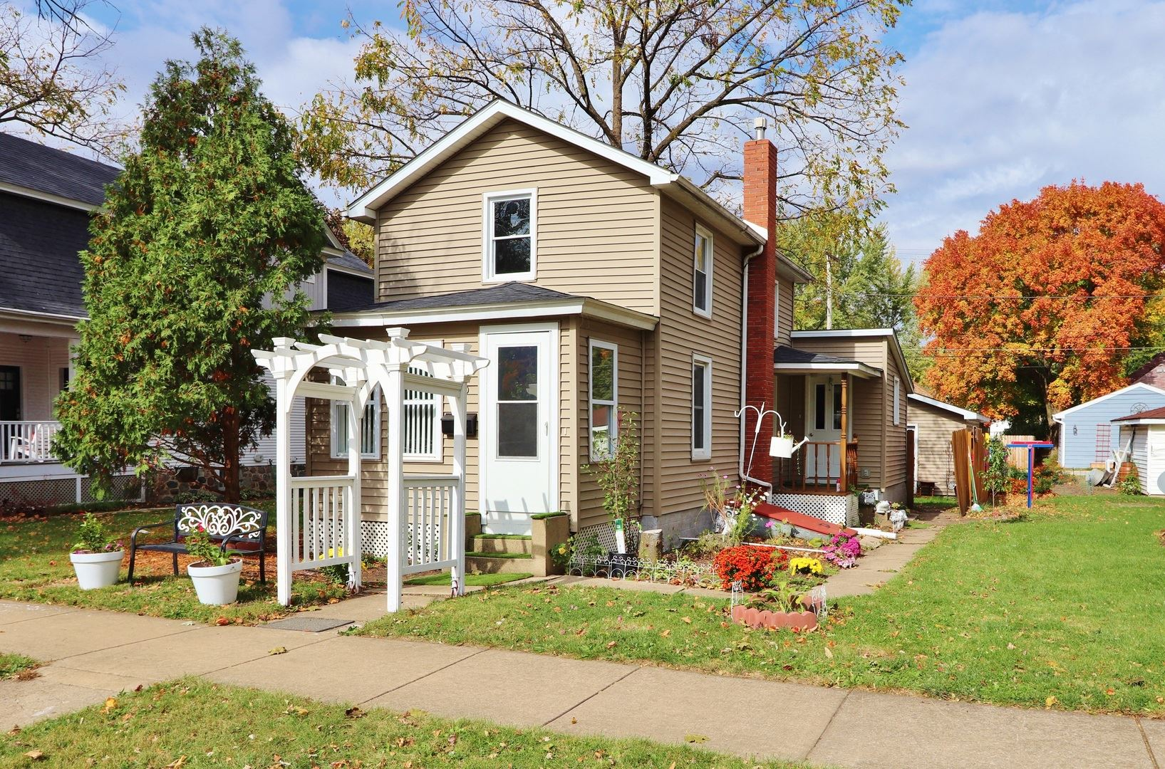 Photo for 420 E NORTH Street, Morris, IL 60450 (MLS # 10910153)