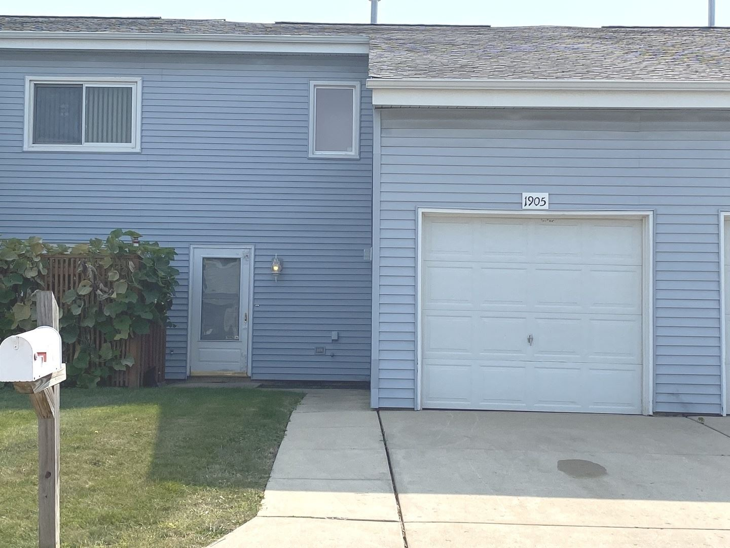 1905 Basswood Lane #1905, Glendale Heights, IL 60139 - #: 11231154