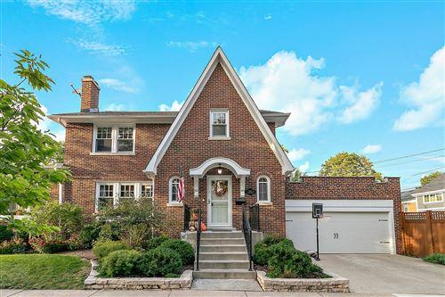 Photo of 547 S Kensington Avenue, La Grange, IL 60525 (MLS # 11239158)