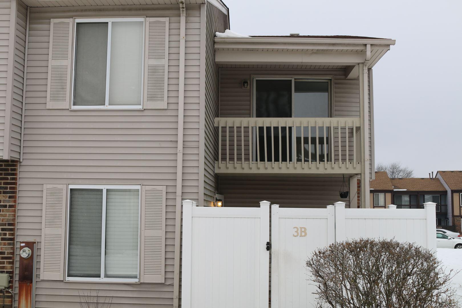 Photo of 3 Fernwood Drive #B, Bolingbrook, IL 60440 (MLS # 10963159)