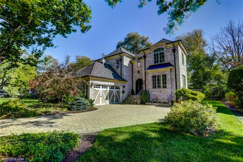 Photo of 412 Beverly Drive, Wilmette, IL 60091 (MLS # 10740160)