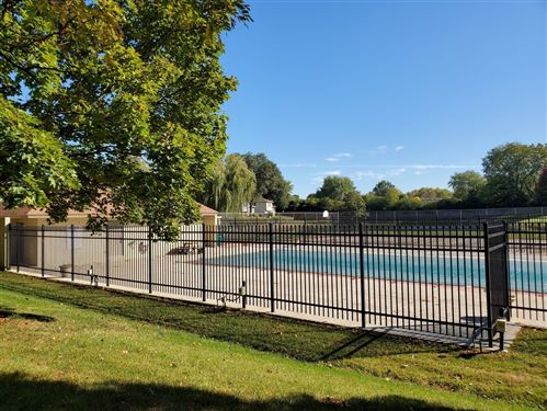 Tiny photo for 332 Cherrywood Court #1, Vernon Hills, IL 60061 (MLS # 10910160)