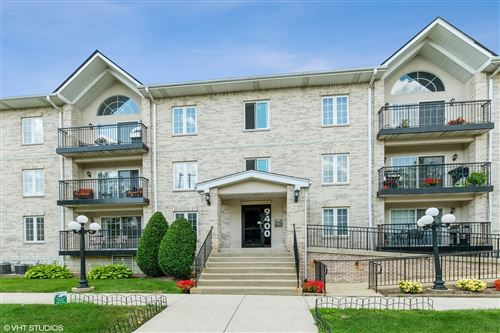Photo of 9400 S 79th Avenue #1J, Hickory Hills, IL 60457 (MLS # 11177160)