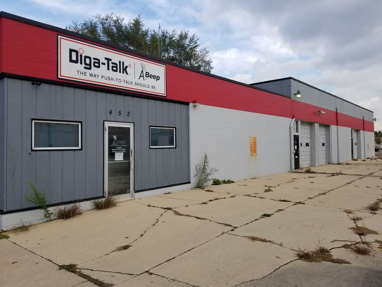 Photo of 452 N Chicago Street, Joliet, IL 60432 (MLS # 10911171)