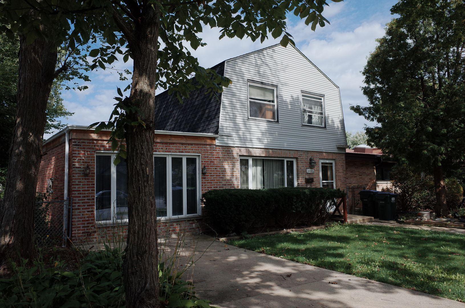 3726 W Columbia Avenue, Lincolnwood, IL 60712 - #: 10677172