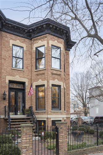 Photo of 900 W Webster Avenue, Chicago, IL 60614 (MLS # 10842173)