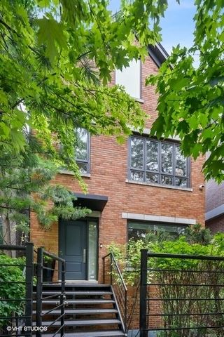 Photo of 1729 N Honore Street, Chicago, IL 60622 (MLS # 10884175)