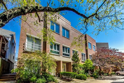 Photo of 1030 W Wrightwood Avenue #H, Chicago, IL 60614 (MLS # 10806179)