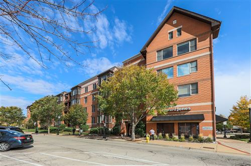 Photo of 930 Curtiss Street #101, Downers Grove, IL 60515 (MLS # 10911180)
