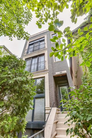 Photo of 909 North HONORE Street #2, Chicago, IL 60622 (MLS # 10649181)