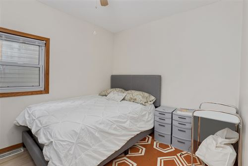 Tiny photo for 915 West 18th Place, Chicago, IL 60608 (MLS # 10626182)