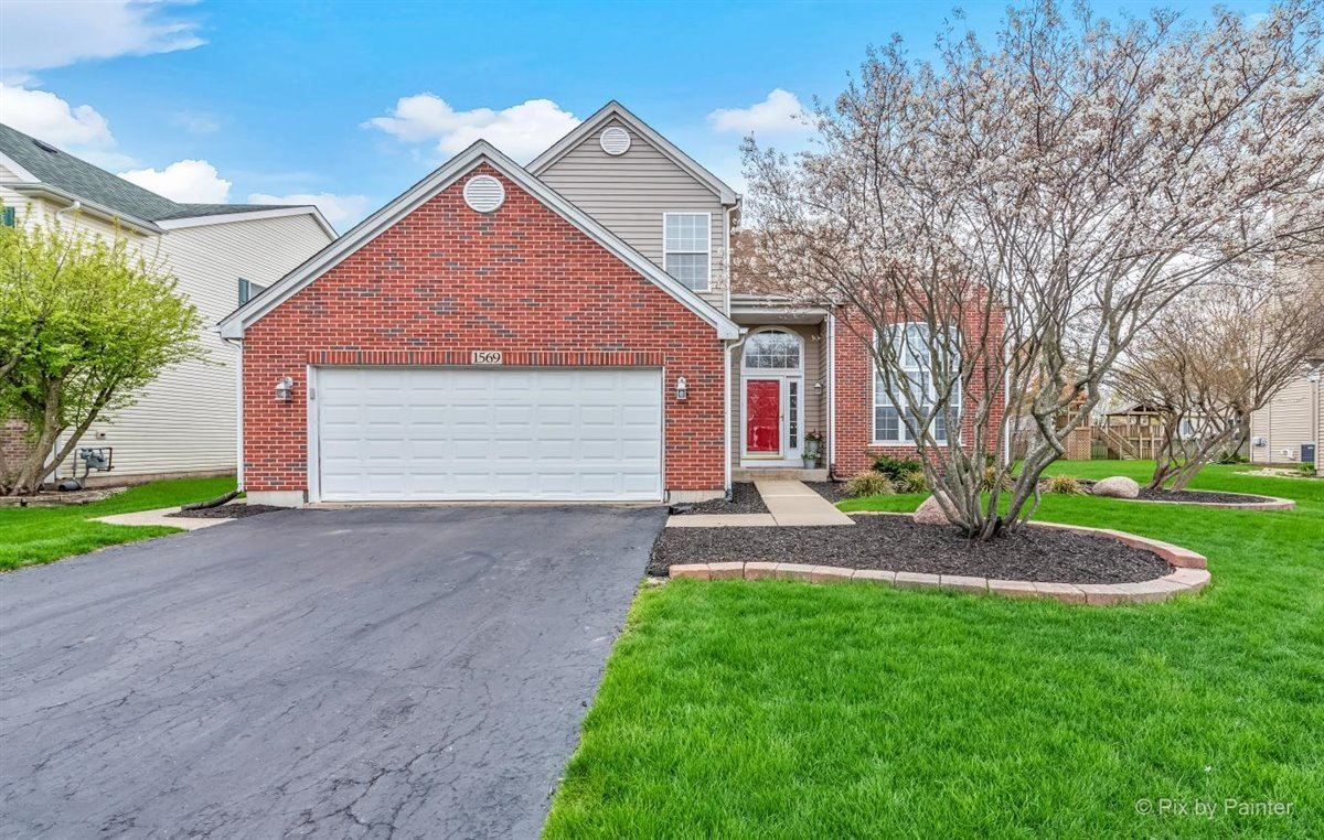 1569 Autumncrest Drive, Crystal Lake, IL 60014 - #: 11050182
