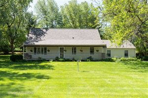 Photo of 79 Highview Drive, YORKVILLE, IL 60560 (MLS # 10494192)