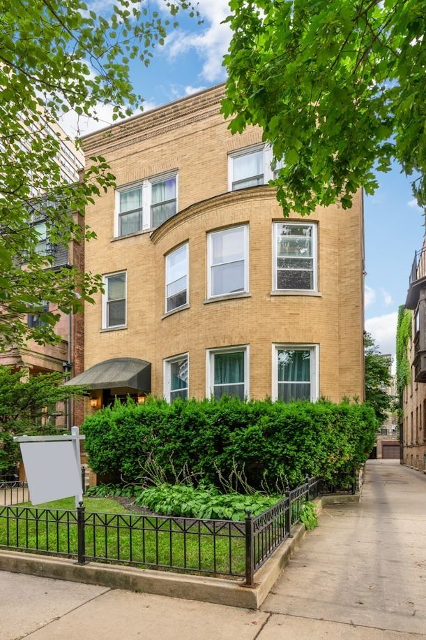 421 W Oakdale Avenue #6, Chicago, IL 60657 - #: 10799192