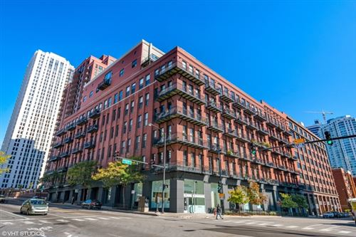 Photo of 616 West Fulton Street #215, Chicago, IL 60661 (MLS # 10639193)