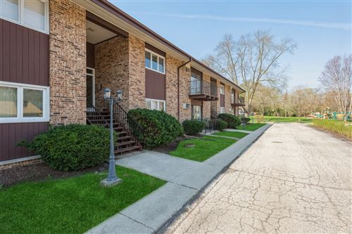 Photo of 505 Kenilworth Avenue #4, Glen Ellyn, IL 60137 (MLS # 11047193)