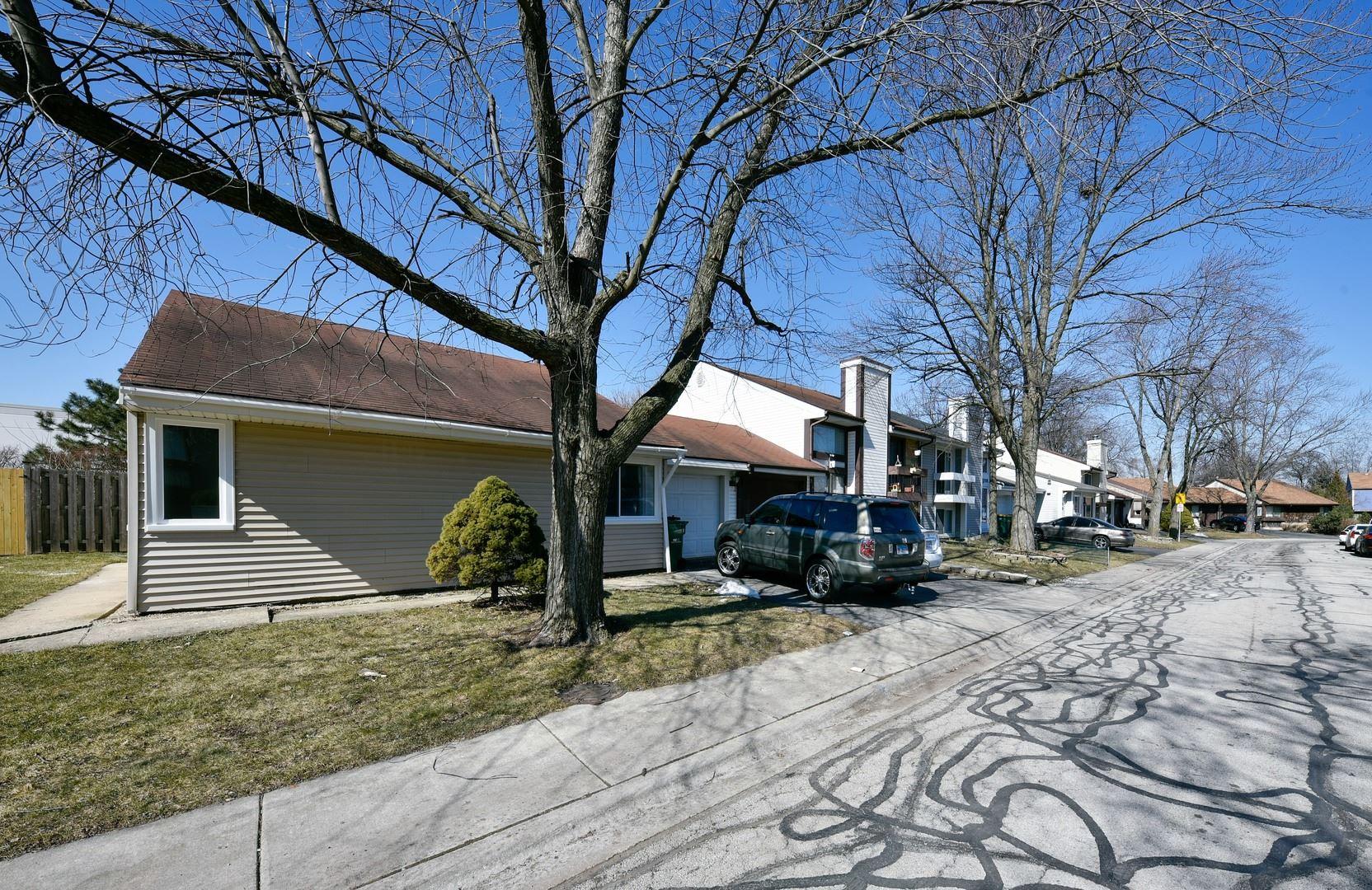 Photo of 202 Elmwood Road, Romeoville, IL 60446 (MLS # 11013194)
