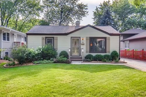 Photo of 3942 Elm Street, Downers Grove, IL 60515 (MLS # 10756198)
