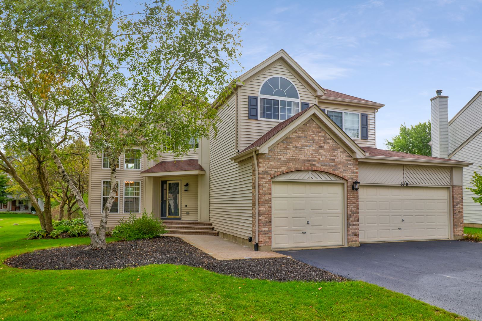 670 White Pine Circle, Lake in the Hills, IL 60156 - #: 10877200