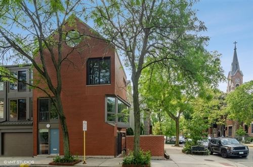 Photo of 423 W Willow Street, Chicago, IL 60614 (MLS # 10530201)