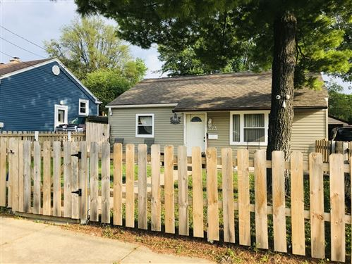 Photo of 523 Hankes Avenue, Aurora, IL 60505 (MLS # 10769202)