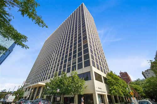 Photo of 4343 N Clarendon Avenue #816, Chicago, IL 60613 (MLS # 10981202)