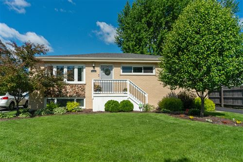 Photo of 708 N Willow Road, Elmhurst, IL 60126 (MLS # 10732204)