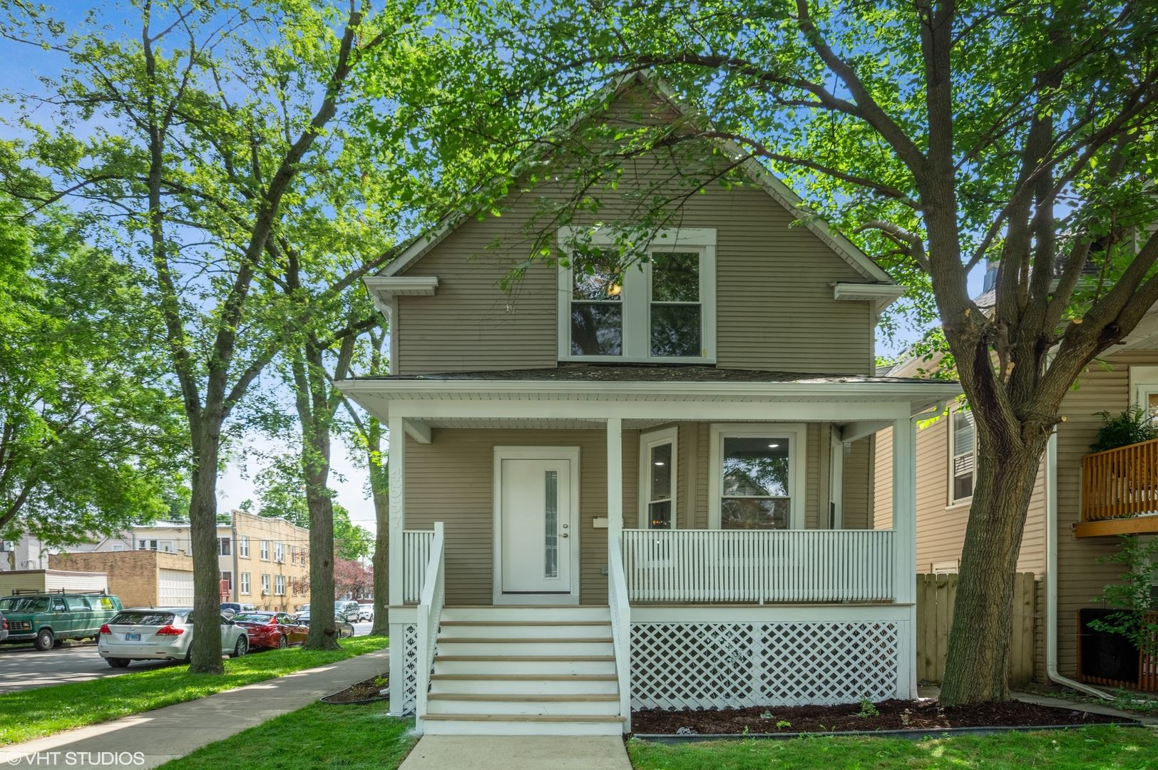 Photo for 4557 N Springfield Avenue, Chicago, IL 60625 (MLS # 10803205)