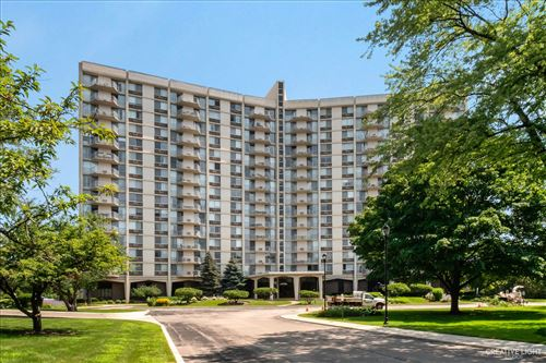 Photo of 40 N Tower Road #14A, Oak Brook, IL 60523 (MLS # 11141207)