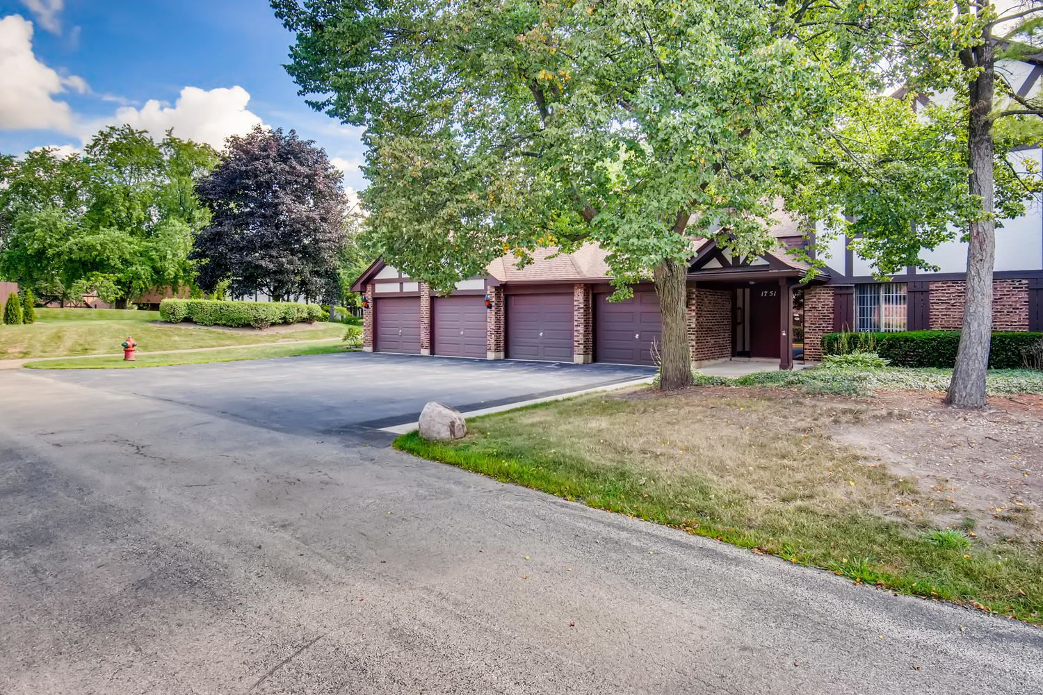 1751 Plymouth Court #B, Wheaton, IL 60189 - #: 10803208