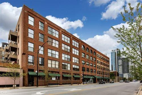 Photo of 420 W Grand Avenue #4E, Chicago, IL 60654 (MLS # 10723209)