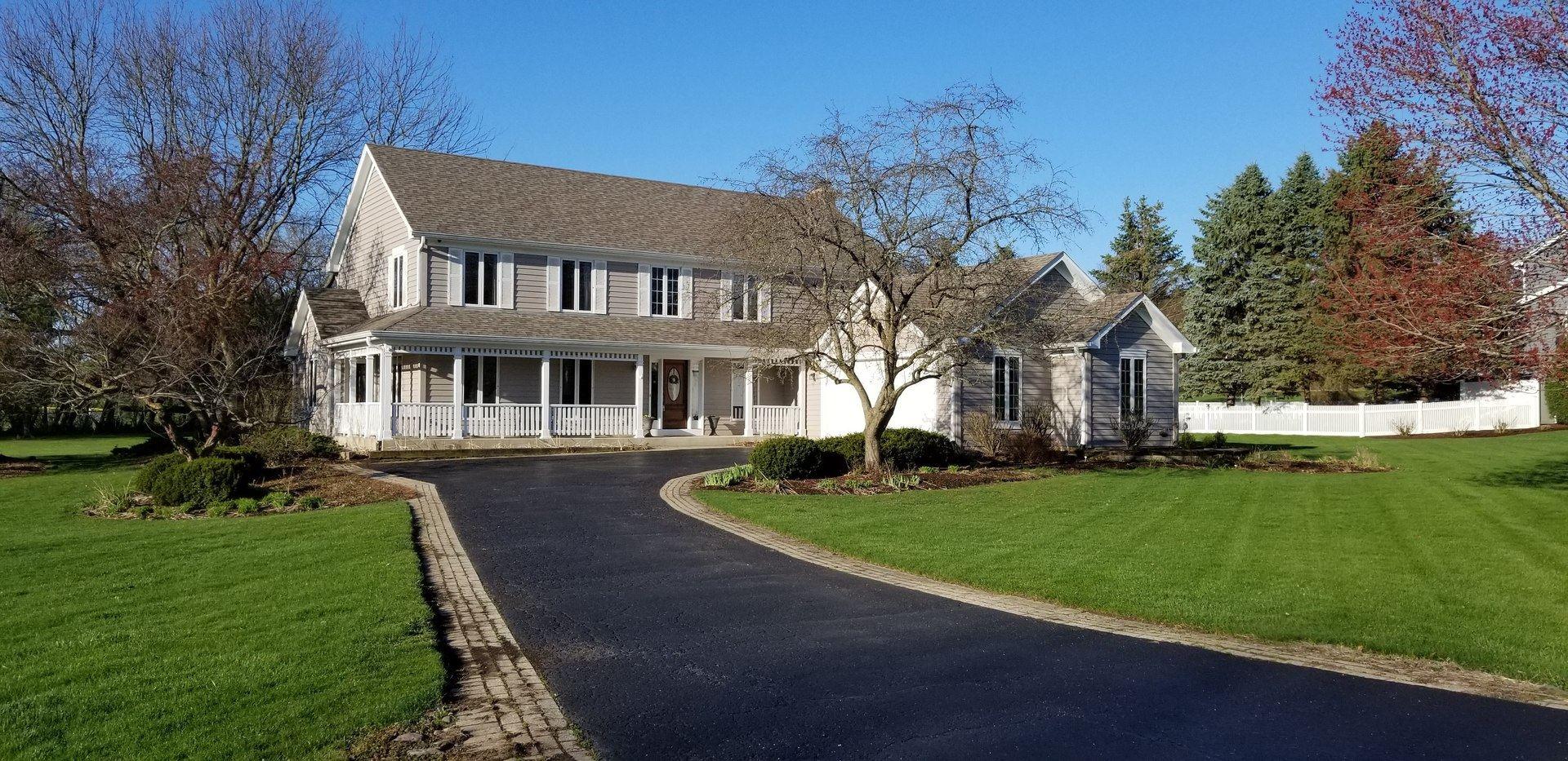 41W565 Hunters Hill Drive, Saint Charles, IL 60175 - #: 10650211