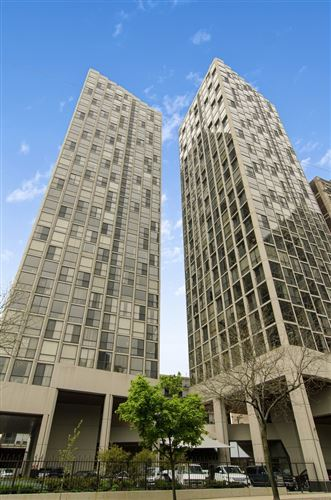 Photo of 345 W FULLERTON Parkway #1804, Chicago, IL 60614 (MLS # 10723214)