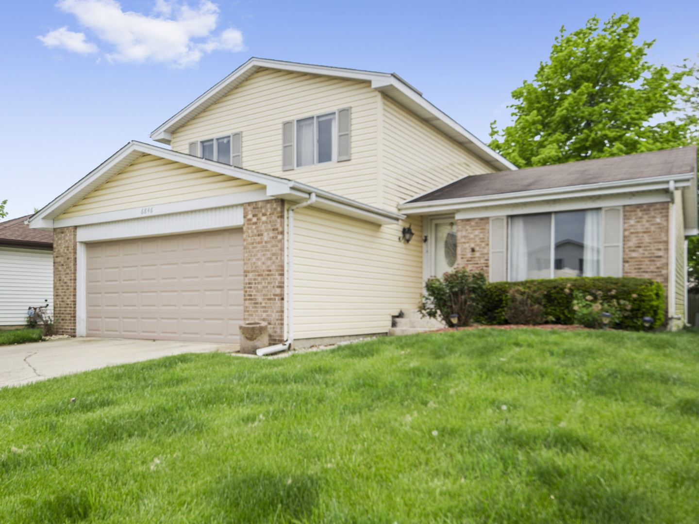 6846 DOVE Avenue, Woodridge, IL 60517 - #: 10727214